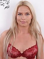 casting blonde model